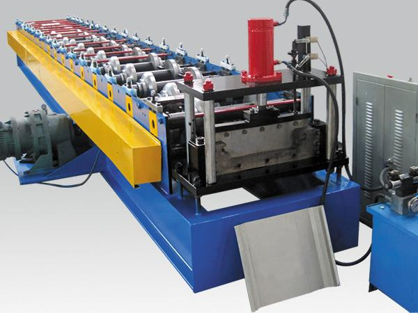 Standing seam roof panel forming machine