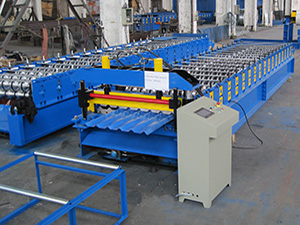Trapezoidal panel roll forming machine